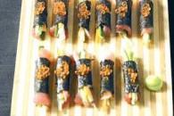Овочеві роли з тунцем та ікрою лосося