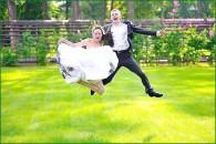 Весільне фотомистецтво: як викликати емоції у людей в кадрі